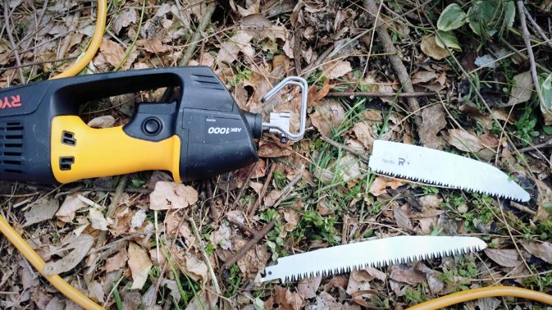 庭木の伐採・剪定 リョービ チェーンソー 電気のこぎり -3-