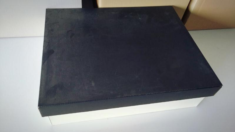 ターナー アイアンペイント 段ボール箱 塗装 -1-