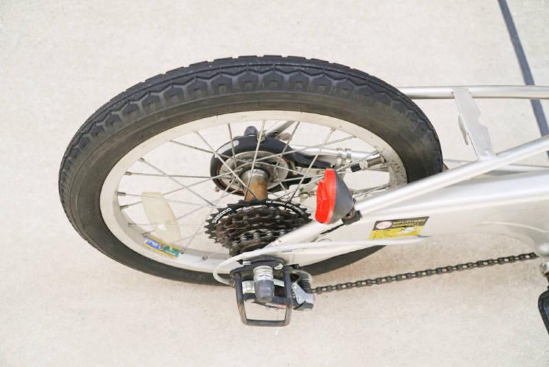 幼児用・子供自転車(16インチ)の錆落とし タイヤ