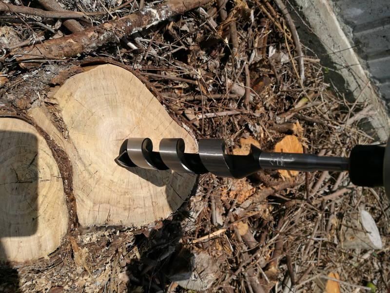 切り株-木の根-を電動ドリルで穴を空け除草剤で枯らす方法 -5-
