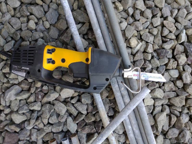 ビニールハウス破棄 電気ノコギリ-リョービASK-1000- -2-