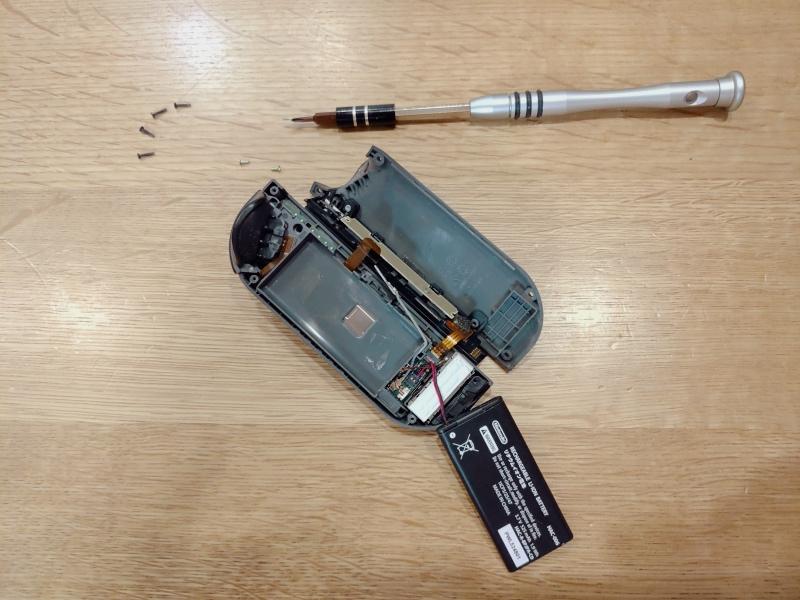 任天堂スイッチ Joy-Conスティック 修理 交換 -3-