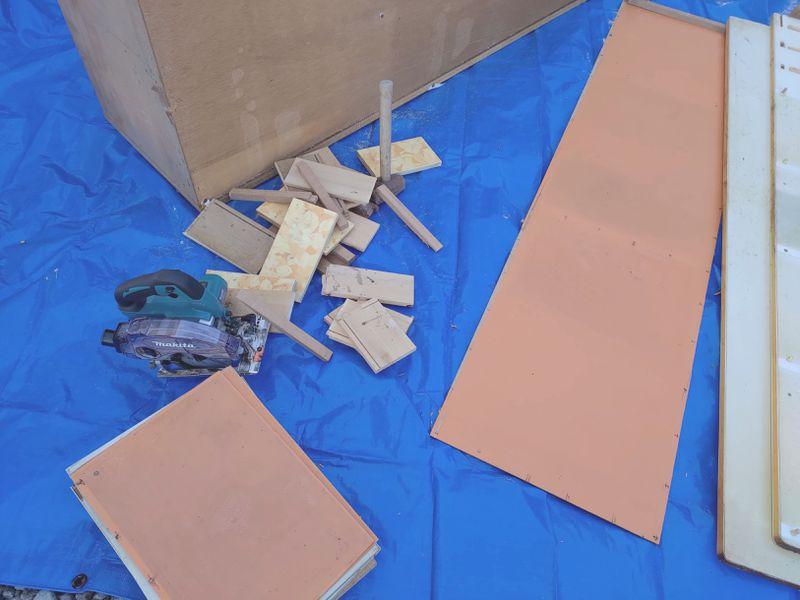 電動丸ノコで家具(タンス・食器棚)を解体 -9-
