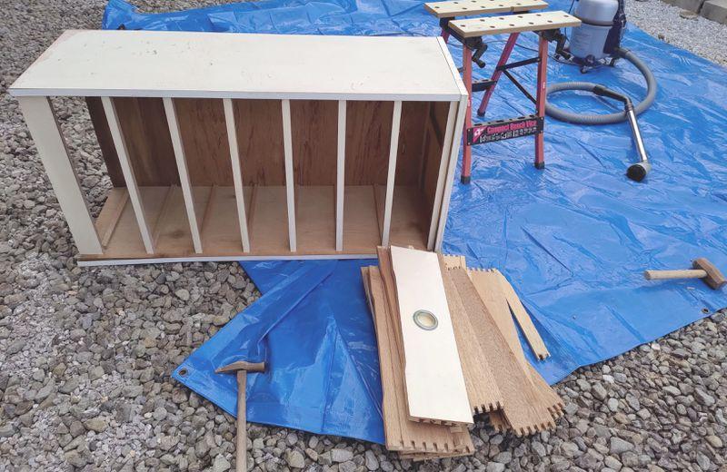 電動丸ノコで家具(タンス・食器棚)を解体 -1-