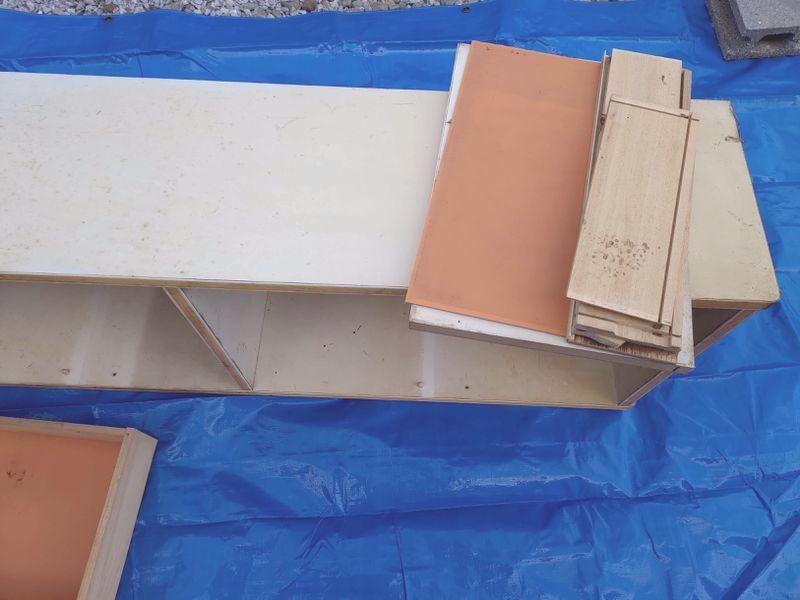 電動丸ノコで家具(タンス・食器棚)を解体 -8-