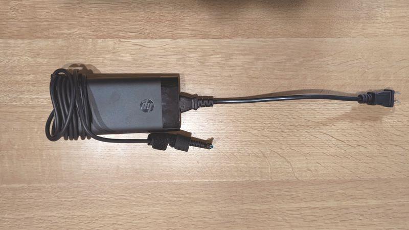 HP ENVY 15のACアダプターケーブルを交換_113216