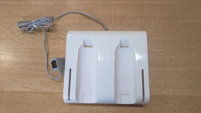 Wii U用リモコンの非接触充電 電池交換 01