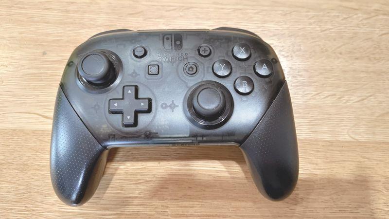 任天堂switch proとサイバーコントローラーの違い 01