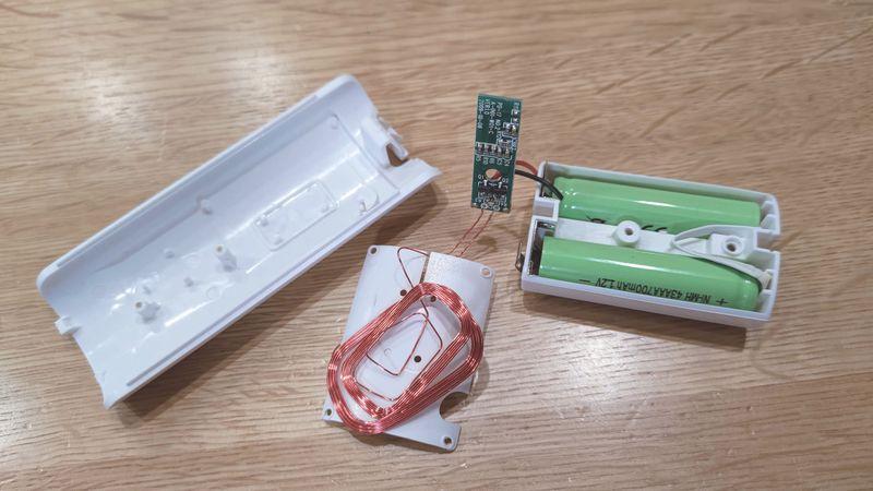 Wii U用リモコンの非接触充電 電池交換 09