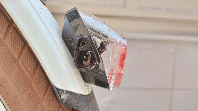 パナソニック LEDソーラーオートテール NSKR604 SKR602のボタン電池を交換 04