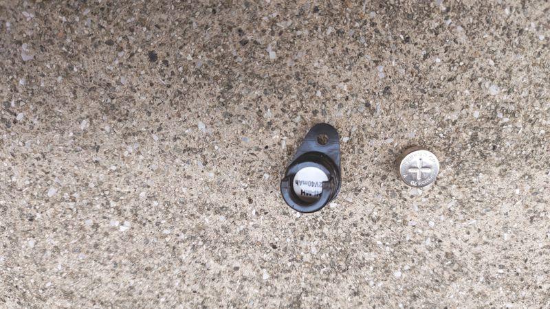 パナソニック LEDソーラーオートテール NSKR604 SKR602のボタン電池を交換 06